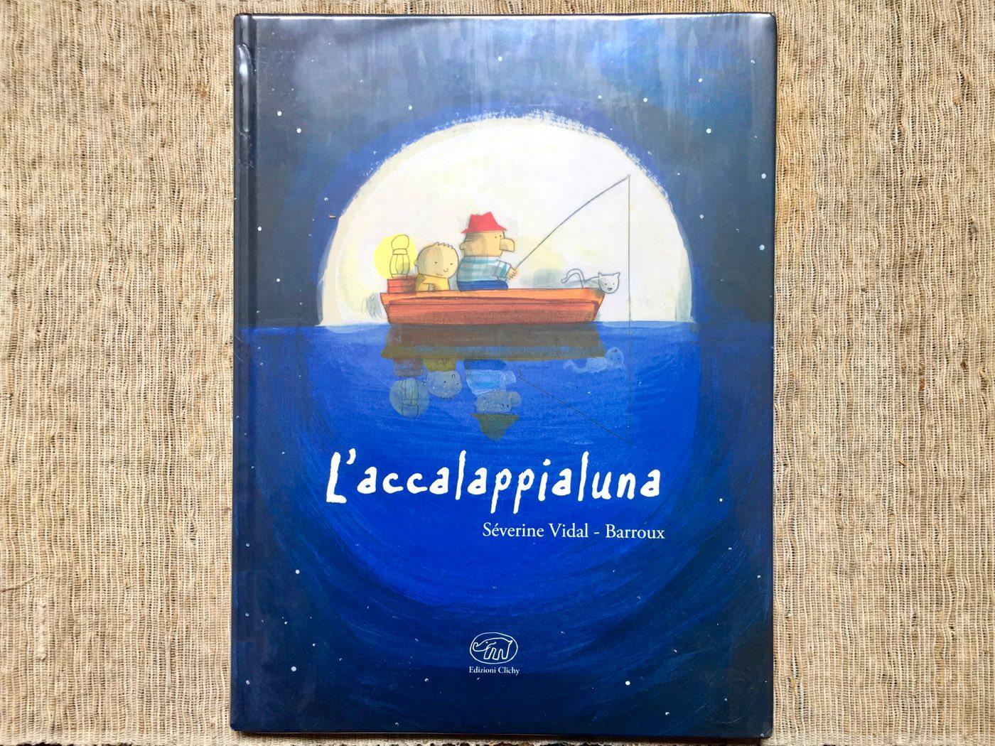 Copertina del libro Accalappialuna, una bella storia di racconti tra nonno e nipote